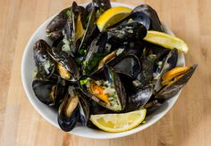 Steamed Mussels in White Wine, Garlic, Onion, and Parsley