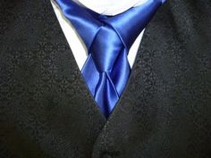 Stropdas How to Tie a Necktie Merovingian Knot for your Necktie aka Ediety Knot - How to Tie a Tie Sharp Dressed Man, Well Dressed Men, Different Tie Knots, Tie A Necktie, Necktie Knots, Ascot, Men Formal, Swagg, Men Dress