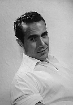 Ricardo Gonzalo Pedro Montalbán y Merino, aka Ricardo Montalban Mexican radio, television, theatre & film actor. My daughter had a crush on him. This photo was taken in 1951 Vintage Hollywood, Classic Hollywood, Latin Men, Old Movie Stars, Hollywood Actor, Hollywood Stars, Old Movies, Classic Movies, Good Looking Men