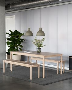 Minimal Scandinavian Home decor design inspiration from Muuto: The Linear Wood Bench brings a simple and elegant perspective to wooden furniture through its modern form language with understated details for a long-lasting expression. Kept visually clean for long-lasting aesthetics, the Linear Wood Bench finds it distinct character through subtle detailing and a simple expression. #scandinaviandesign #homedecorstyle #interiordesign