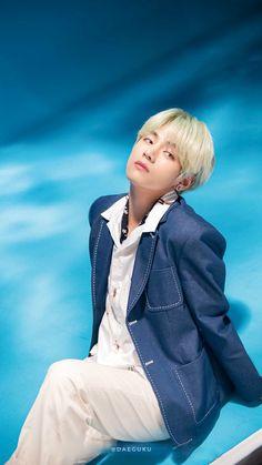 v 2019 lights/boy with luv Jungkook V, Bts Bangtan Boy, Bts Boys, Daegu, Foto Bts, Bts Photo, V Taehyung, Taehyung Fanart, Mixtape