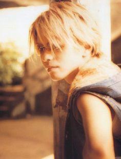 HYDE • #hyde #hidetotakarai #takarai #hydetakarai #larcenciel #vamps #ラルクアンシエル #彩虹樂團 #寶井秀人 #moonchild #moonchildphotobook #hydexgackt #gacktxhyde #gakuhai