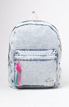 Online Only! Billabong uses a durable cotton construction for this unique backpack. The Sandy Trails Acid Wash Backpack features a washed denim look, zippered outer compartment with multicolored tassel detail, and a large main compartment.     FEATURES    	Large main compartment 	Zippered outer compartment with multicolored tassel detail 	Padded, adjustable shoulder straps 	Laptop sleeve   FABRICATION    	Billabong patch sewn on front 	Washed denim 	100% cotton 	12.5'' x 17.5'' x 6.5''