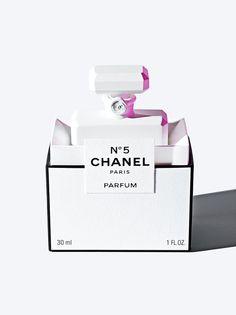 Chanel Fragrance Still Life, James Day. Perfume Packaging, Beauty Packaging, Brand Packaging, Packaging Design, Gabrielle Bonheur Chanel, Chanel No 5, Coco Chanel, Cosmetic Design, Cosmetics & Perfume