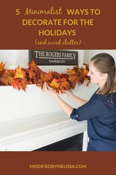 5 Minimalist Ways to Decorate for the Holidays and Avoid Clutter Minimalist Decor, Clutter, Diy Projects, Holidays, Holiday Decor, Holidays Events, Holiday, Handyman Projects, Handmade Crafts