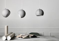 Nyta — Luminaire »Tilt Globe« grey
