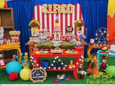 festa circo Circus Carnival Party, Circus Theme Party, Carnival Birthday Parties, Carnival Themes, Circus Birthday, First Birthday Parties, Birthday Party Decorations, Circus 1st Birthdays, First Birthdays