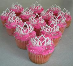 Pink and white Tiara princess cupcakes