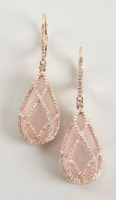 http://wheretoget.it/explore/blush-pink