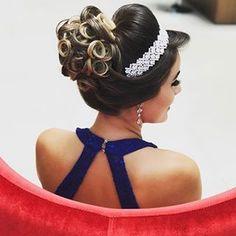 Discover penteadossonialopes's instagram image Coque 💙 #PenteadosSoniaLopes ✨ . . . #sonialopes #cabelo #penteado  #noiva #noivas #casamento #hair #hairstyle #we 1525424425338487820_1188035779 • Inswiki
