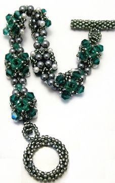 Be Jeweled Bracelet Pattern at Sova-Enterprises.com Lots of Free Bead Patterns and Tutorials are available!