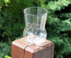 Eine kleine Plastik-Colaflasche, oberer Teil abgeschnitten... Designer, Vase, Home Decor, Flasks, Decoration Home, Room Decor, Vases, Home Interior Design, Home Decoration