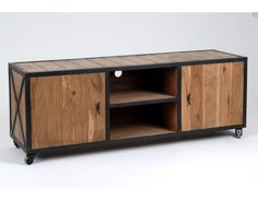 Meuble TV industriel en bois et métal de la marque Amadeus