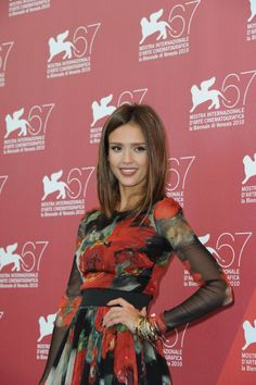 Shoulder Length Hair Style - Latest Hair style of Jessica Alba - Alannah's hair would probably look like this