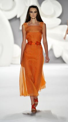 Carolina Herrera 2013  Orange eveningwear ,finally!