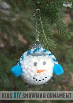 This DIY snowman ornament is so easy that even the kids can do it! No complicated tools or supplies required to acheive an adorable end result. Homemade Christmas Crafts, Kids Christmas Ornaments, Snowman Ornaments, Christmas Crafts For Kids, Christmas Projects, Holiday Crafts, Christmas Holidays, Christmas Decorations, Christmas Tree