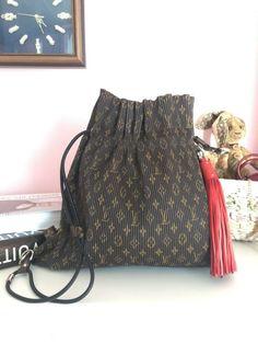 3758fa4c54e Louis Vuitton Authentic Explorer Pleated MM Monogram Tote Bag Backpack Rare  Lim