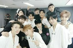 SMTOWN's flower boys have banded together!On December Super Junior kicked off their 'Super Junior World Tour - Super Show at Jamsil Ar… Heechul, Eunhyuk, Donghae, Siwon, Super Elf, Super Junior Leeteuk, Exo Red Velvet, Kpop Posters, Korean Pop Group