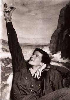 """Katharine Hepburn en """"Sylvia Scarlett"""", conocida en idioma castellano como """"Una muchacha sin importancia"""" y como """"La gran aventura de Silvia"""". (1935)"""