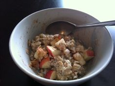 5 ways to make homemade oatmeal, Including apple-cinnamon-oatmeal.