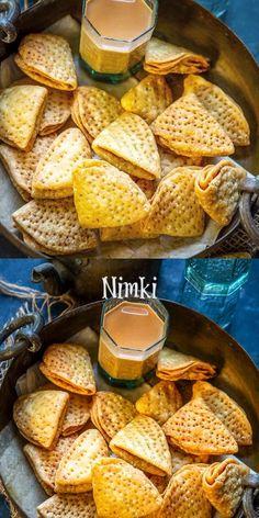 Mathri Recipe, Chaat Recipe, Indian Dry Snacks, Indian Dessert Recipes, Vegetarian Snacks, Food Garnishes, Cooking Recipes, Snacks Recipes, Food Videos