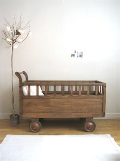 Natural wood decor ideas for your nursery you'll love- Find out some ideas to decor your children's bedroom with wood decor Nursery Room Decor, Nursery Design, Nursery Themes, Kids Bedroom, Baby Boy Rooms, Baby Room, Natural Wood Decor, Wooden Cribs, Deco Kids