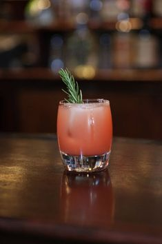 Handcrafted Classic Cocktail Recipe: Italian Greyhound