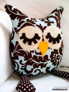quilt Adorable fox stuffed animal from Etsy cute owl pillow From diaper rash to hives, get expert tips about how to detect and heal skin irr. Owl Crafts, Cute Crafts, Blue Pillows, Throw Pillows, Owl Pillows, Fabric Crafts, Sewing Crafts, Craft Projects, Sewing Projects