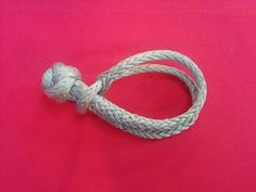 My very first soft shackle lesson was at the 2015 Port Townsend Wooden Boat Festival. Brion Toss was having an impromptu lesson on how to make a soft shackle. There are a few different versions of …