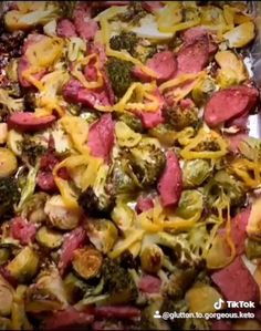 Great Meal with easy clean up. From start to finish it took about 35 minutes including prep and clean up Keto Recipes, Healthy Recipes, Clean Living, Sheet Pan, Healthy Foods, Low Carb, Meals, Dinner, Vegetables