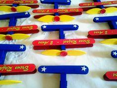 Mini aviões de madeira, feitos de prendedor de roupa e abaixador de língua…