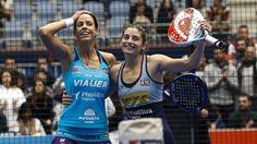 Marrero y Salazar celebran un triunfo esta temporada. #Pádel #PádelFemenino #WorldPádelTour.