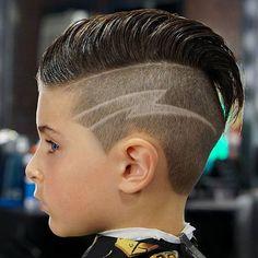 15 coole Haarschnitte für Jungs New Hair Cut new hair cuts for boys Cool Kids Haircuts, Boys Haircuts With Designs, Cute Boy Hairstyles, Hair Designs For Boys, Cute Little Boy Haircuts, Boy Haircuts Short, Baby Boy Haircuts, Toddler Hairstyles, Hair Styles For Boys