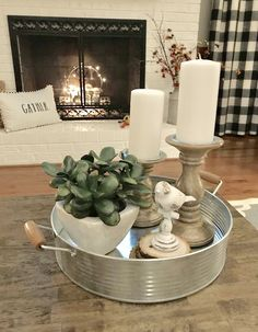 beautiful farmhouse coffee table design for living room 33 - Farmhouse decor - Coffee Table Design, Decorating Coffee Tables, Coffee Table Tray Decor, Coffee Table Centerpieces, Centerpiece Ideas, Table Decor Living Room, Home Living Room, Living Room Designs, Dining Table