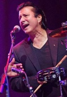 Monday, May 26, 2014:STEVE PERRY SURPRISES CROWD LAST NIGHT! http://www.retrokimmer.com/2014/05/steve-perry-surprises-crowd-last-night.html
