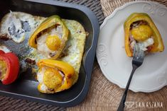 An ideal dish for breakfast, when we have a slower day. Its preparation does not require much work, and the necessary ingredients will surely be in every fridge. While eating, you can dip a slice of good bread in liquid egg.