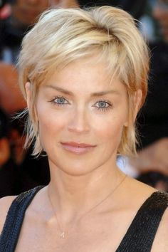 The Most Awesome Sharon Stone Short Hairstyles For Your Hairdo Is Compatible With Changing Appearance Haircut For Older Women, Short Hairstyles For Women, Hairstyles For Round Faces, Everyday Hairstyles, Short Pixie Haircuts, Pixie Hairstyles, Cool Hairstyles, Brunette Hairstyles, Fringe Hairstyles