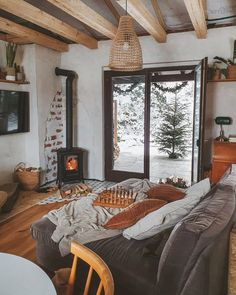Style At Home, Rustic Apartment, Cabin Homes, Cozy Living, My Dream Home, Decoration, Interior And Exterior, Living Spaces, Living Rooms