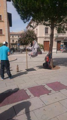 Schwebender Mann in Palma.