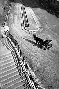 Henri CARtIER-BreSSON: Marseille, France, 1932.