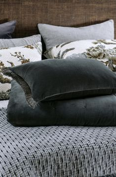 Tramonto Graphite velvet comforter and cushion #comforter #cushion #cotton #velvet #bedlinen #decor Bed Linen Design, Bed Design, Linen Fabric, Linen Bedding, Fine Linens, Store Hours, Contemporary Interior, Comforters, Cushions