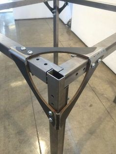 Flexible Interlocking Steel Joint System Maybe something for Printer Chat? Steel Furniture, Industrial Furniture, Furniture Plans, Diy Furniture, Furniture Design, Cardboard Furniture, System Furniture, Furniture Chairs, Garden Furniture