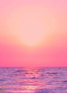 Palm trees and ocean breeze: Photo Beautiful Sunset, Beautiful Places, Pink Sunset, Pink Ocean, Ocean Sunset, Summer Sunset, Summer Beach, I Love The Beach, Am Meer