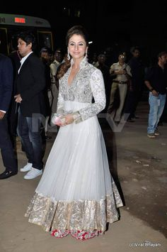 Anarkali Dresses & Suits from Bollywood India, Bridal Churidar Anarkali Designs & Patterns: White Anarkali Suits Bollywood Dress, Bollywood Fashion, Bollywood Style, Pakistani Bridal, Indian Bridal, Pakistani Outfits, Indian Outfits, Anarkali Dress, White Anarkali