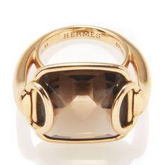 La vente de bijoux Hermès vintage chez Artcurial http://www.vogue.fr/joaillerie/news-joaillerie/diaporama/la-vente-de-bijoux-hermes-vintage-chez-artcurial/10193/image/636083#2