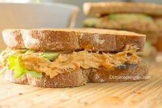 Πεντανόστιμα και υγιεινά σάντουιτς με τόνο και αβοκάντο