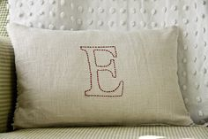 DIY Embroidered Pillow : gifts or apply to holiday cards & tags?