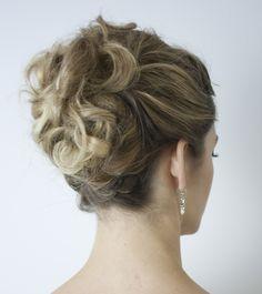 Maquillaje y peinado para novia. Makeup and updo for wedding. Recogido elegante y contemporáneo. Contemporary and elegant updo. http://amisqueridasmujeres.blogspot.com.es/ https://www.facebook.com/redlipsmakeup?ref=hl http://redlipsmakeupstudio.com/