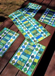 Use those gorgeous Jelly Rolls and Bali Pops with this pattern! One strip set can make 1 Table Runner and 4 Placemats! (Plus there are som...