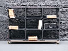 Who know our college crates would become chic again? Furniture Making, Diy Furniture, Furniture Design, Milk Crate Shelves, Basket Shelves, Crate Storage, Milk Crate Furniture, Plastic Milk Crates, Apple Crates